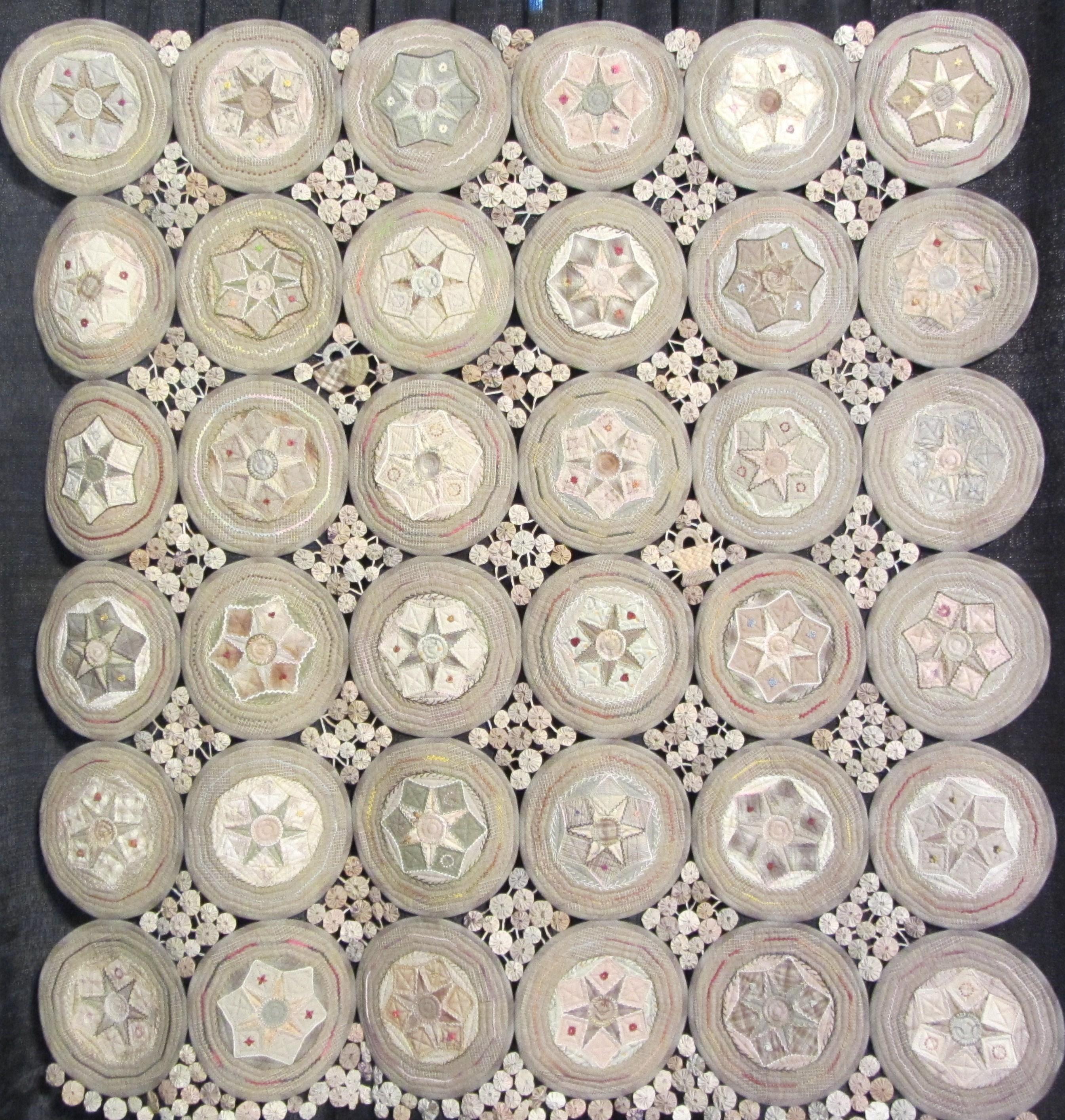 Circle Quilt by Aki Sakai