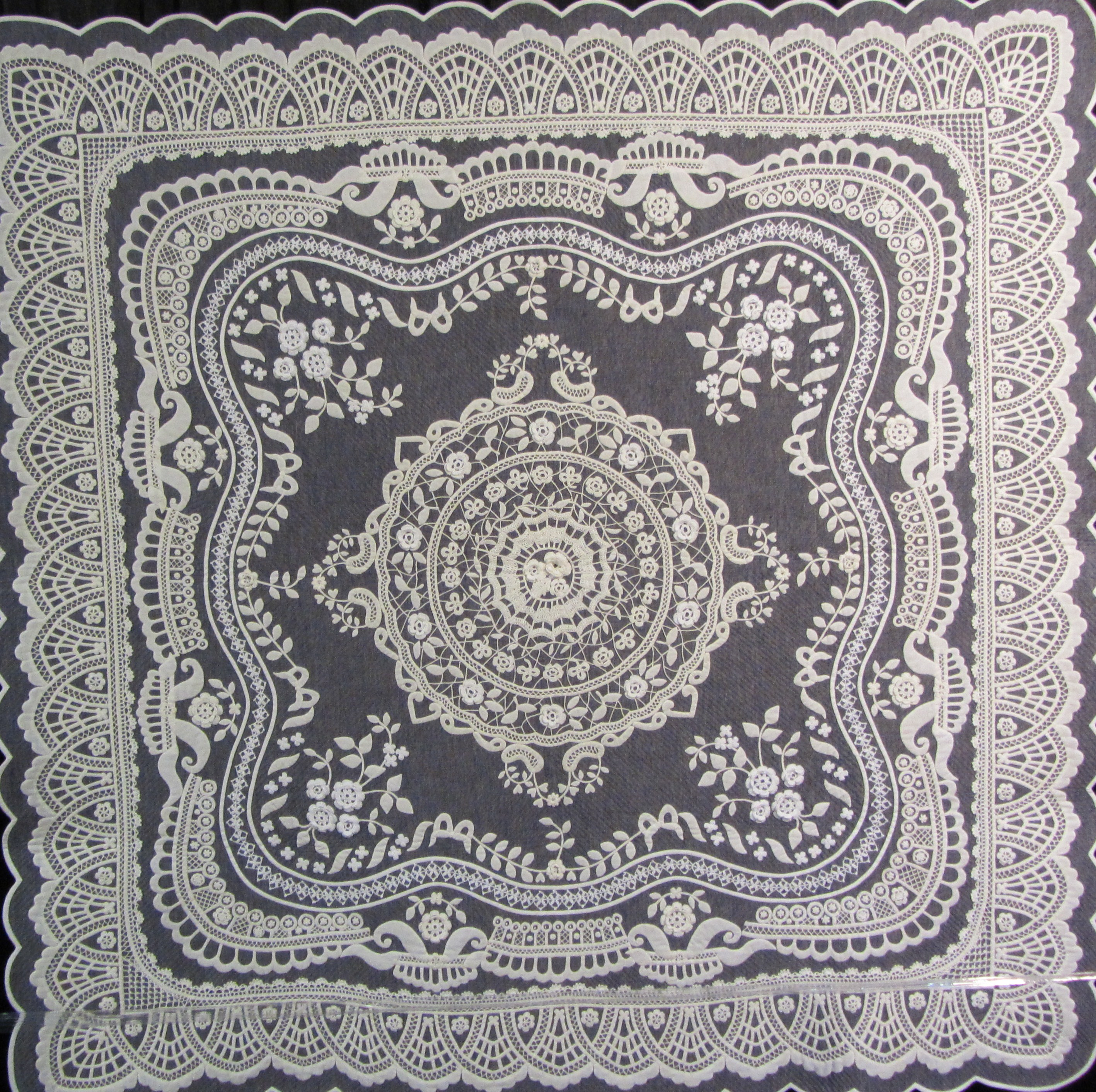 Irish Crochet Lace by Chieko Shiraishi of Japan.  A combination of crochet and quilting